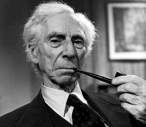 bertrand_russell_smoking4
